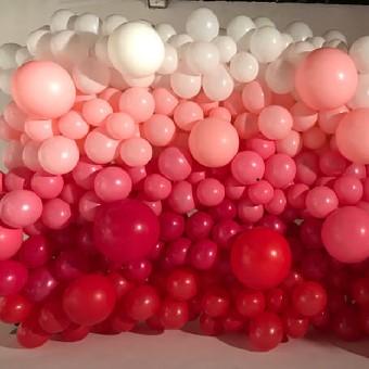 Balloon_Wall